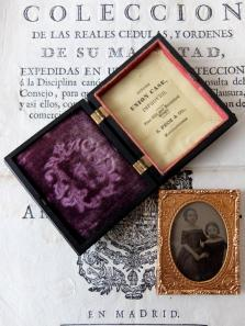 Daguerreotype Picture with Case (A0120)