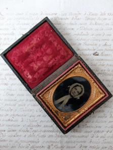 Daguerreotype Picture with Case (B0118)