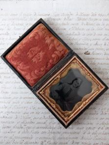 Daguerreotype Picture with Case (A0118)