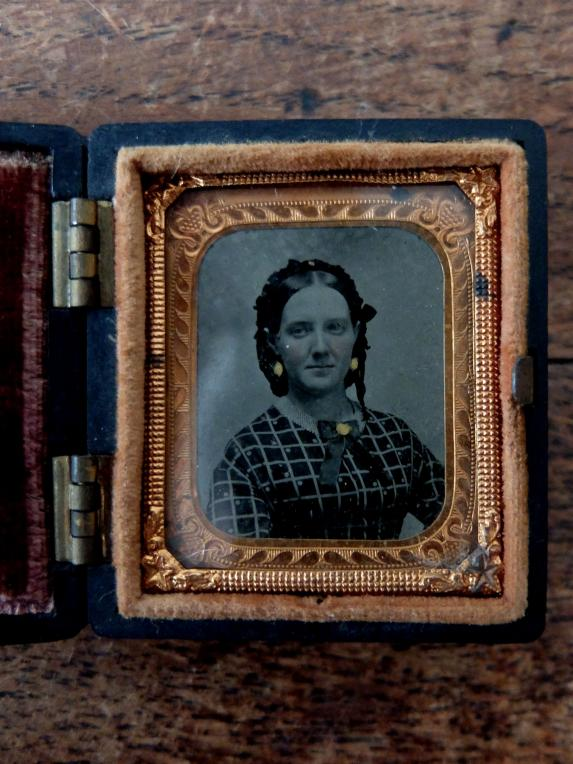 Daguerreotype Picture with Case (A0219)