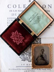 Daguerreotype Picture with Case (A0220)