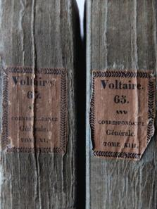 Antique Books (2 pcs) (A0318)