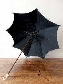 Antique Umbrella (A0321-01)