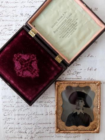Daguerreotype Picture with Case (B0219)