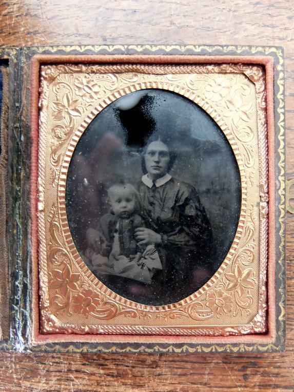 Daguerreotype Picture with Case (B0318)