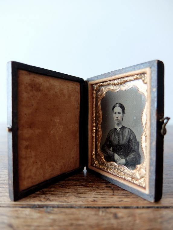 Daguerreotype Picture with Case (C0318)