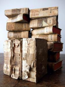 Antique Books (18 pcs) (B0415)