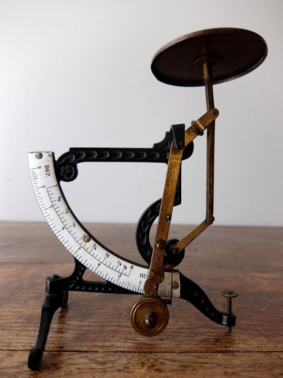 Letter Scale (A0417)