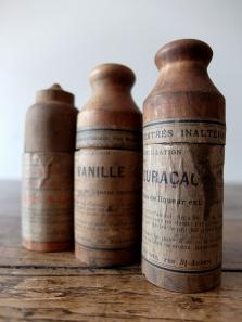 Medicine Bottle with Case (A0516-01)