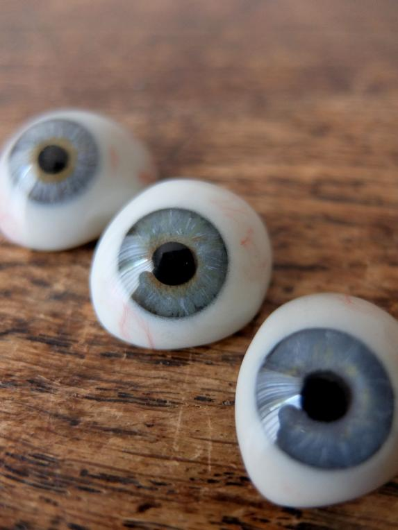 Prosthetic Glass Eyes with Box (A0517)