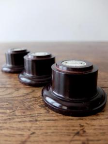Display Base 【Bakelite】 (J0518)