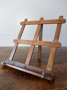 Wooden Book Stand (A0620)