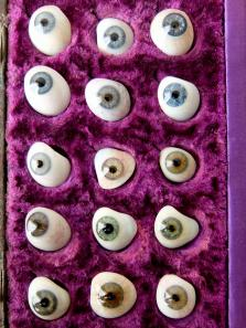 Prosthetic Glass Eyes with Case (15 pcs) (A0218)