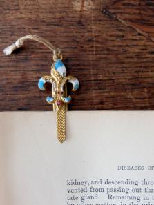 Antique Bookmark (A0620)