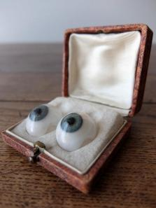 Prosthetic Glass Eyes with Box (A0617-04)