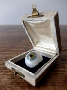 Prosthetic Glass Eyes with Box (B0917-02)