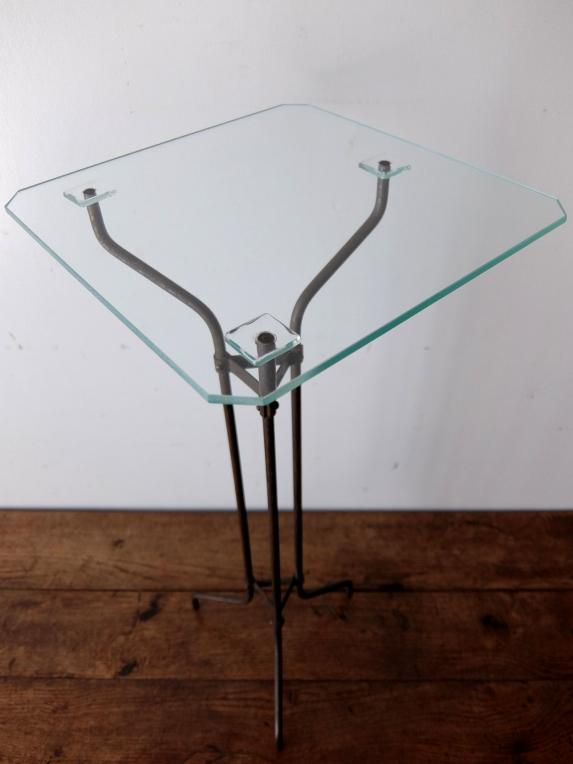 Display Stand with Glass (A0818)