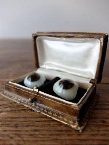 Prosthetic Glass Eyes with Box (A0917-01)