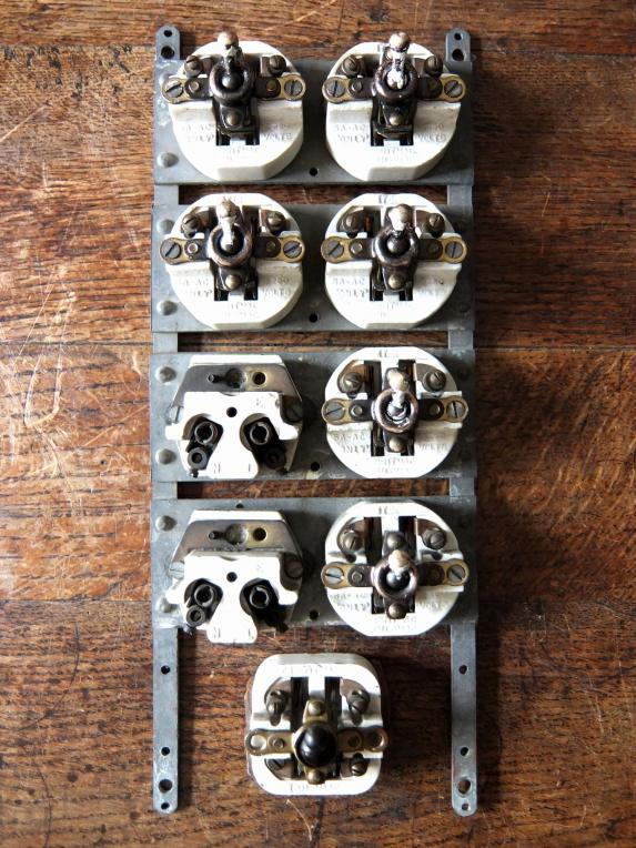 Switch (7 Gang + 2 Plugs) (A0915)