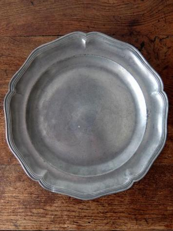 Pewter Plate (A1018)