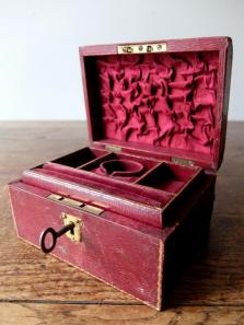 Antique Jewelry Case (A1018)