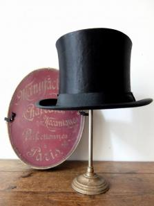 Silk Hat with Box (A1016)