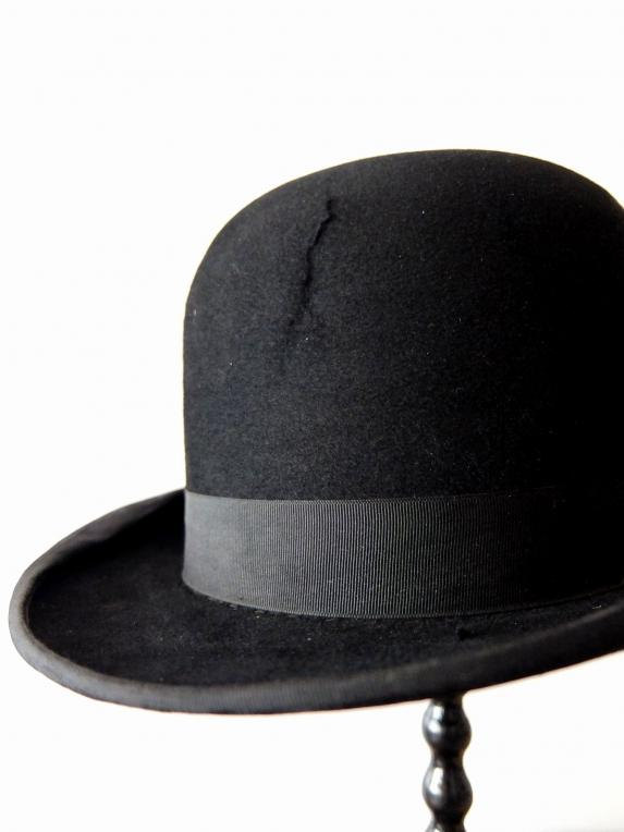 Hat with Box (A1120)