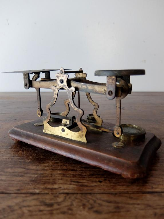 Letter Scale (A1019)