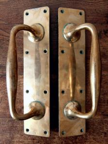 Pair of Door Handles (A1018)