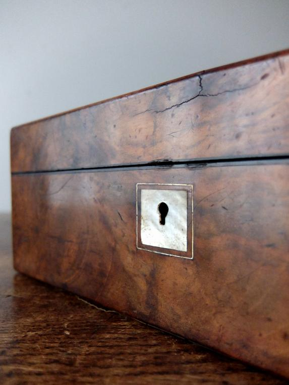 Antique Jewelry Case (E1018)