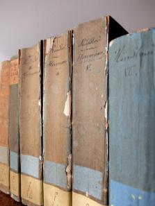 Antique Books (6 pcs) (A1116)