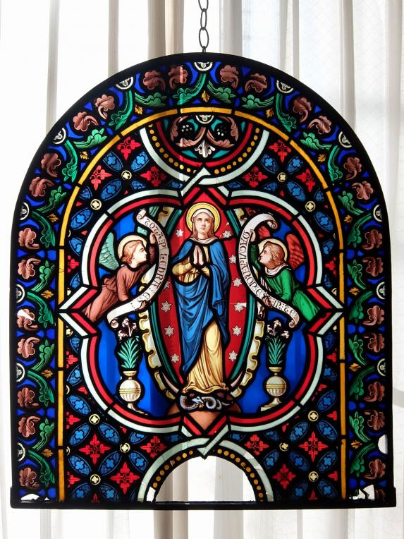 Painted Stained Glass (A1018)