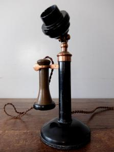 Antique Telephone (A1220)