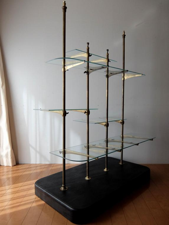 Display Stand with Glass (B0518)